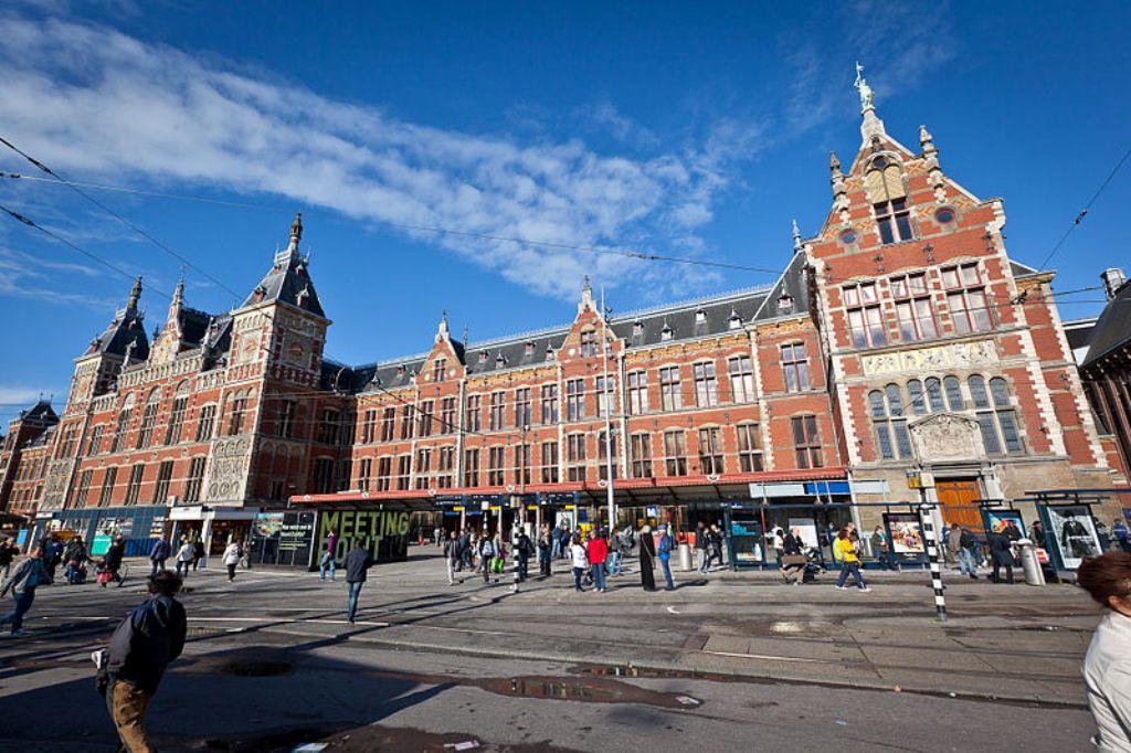 Amsterdam Merkez Tren İstasyonu