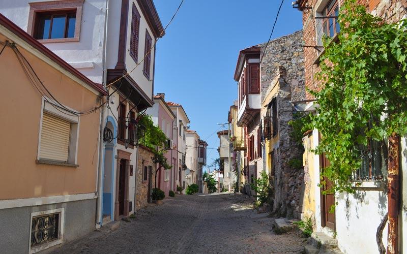 Eski-Ayvalik-Sokaklari