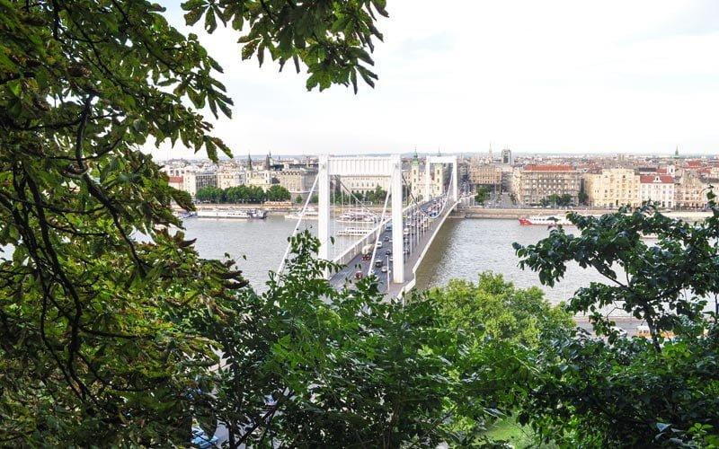 Elisabeth-Koprusu-Budapeste