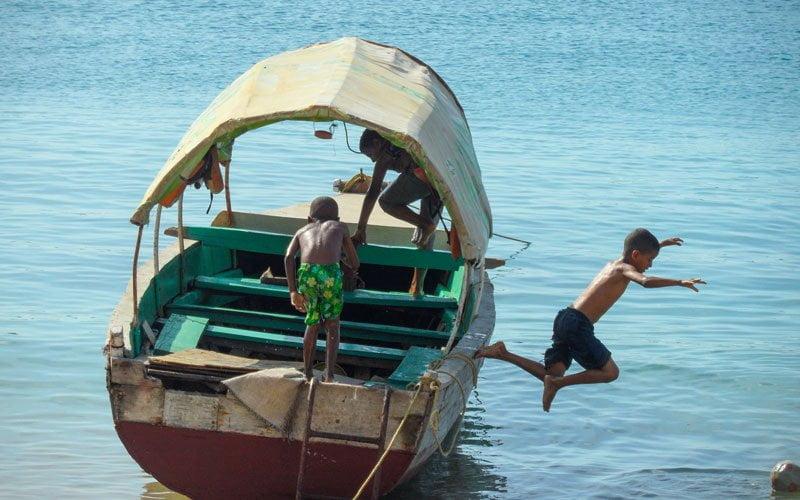 Gezmek-Guzel-Zanzibar