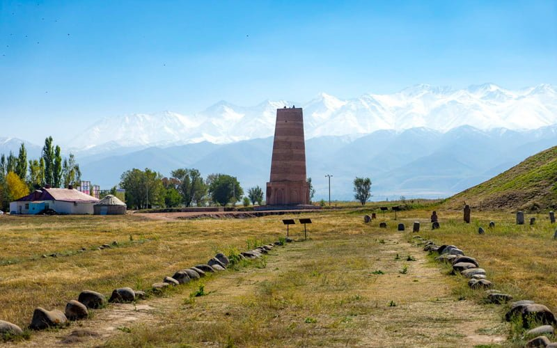 Burana-Minaresi-Kirgiz