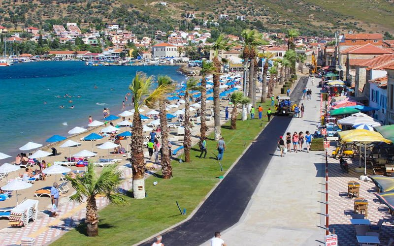 Yeni-Foca-Halk-Plaji