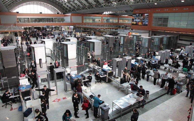 678f65abcdf4b Havalimanında Beklemeden Hızlı Geçmenin İpuçları | Kesfetsek.com