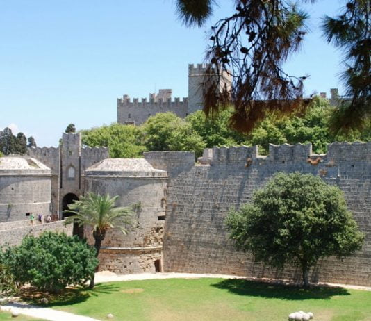 Ambroise-Gate-Rhodes-Old-Town