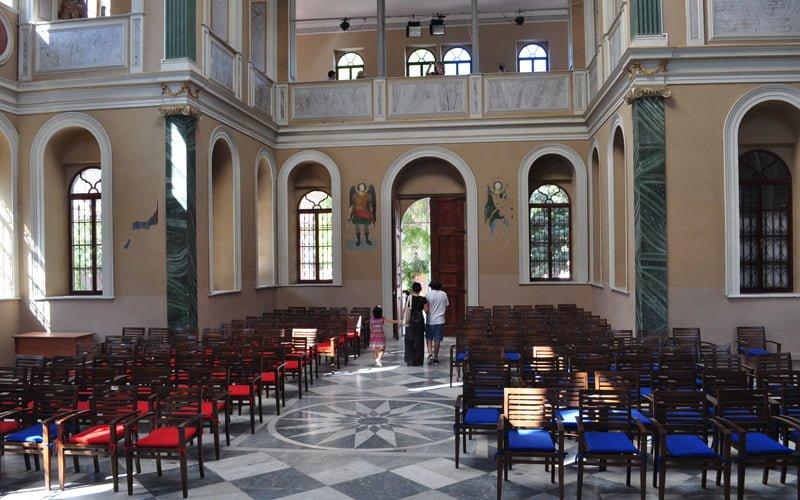 Aziz-Vukolos-Kilisesi-Izmir