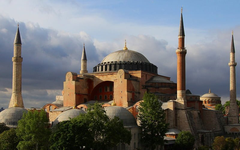 Istanbul-Gezilecek-Yerler-Ayasofya