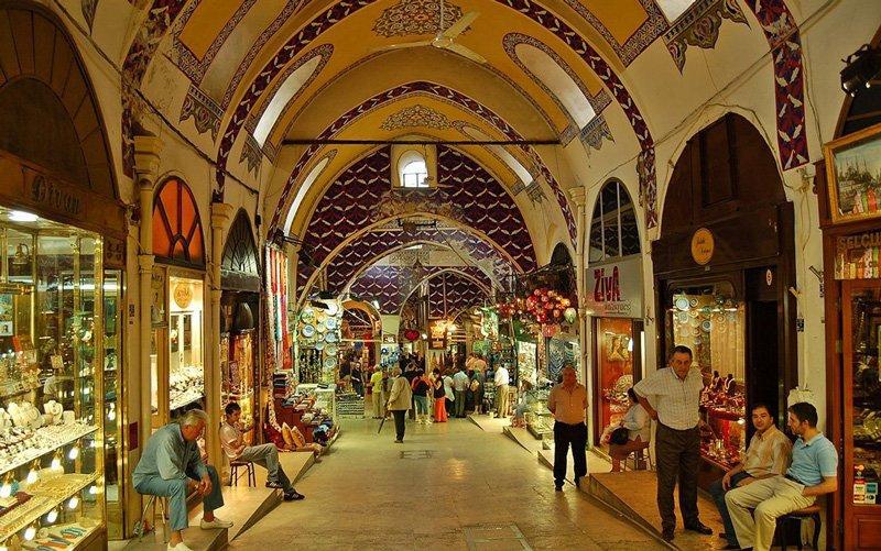 Istanbul-Gezilecek-Yerler-Kapalicarsi