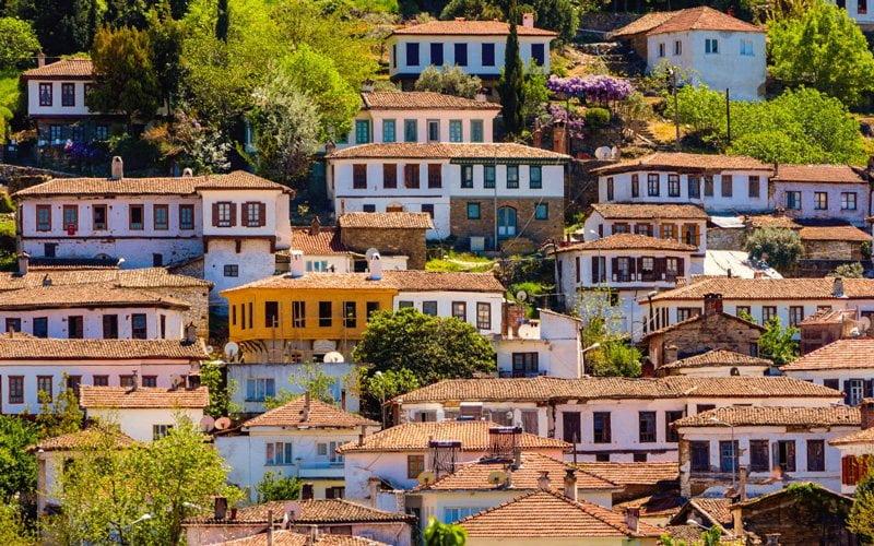 Izmir-Gezilecek-Yerler-Sirince