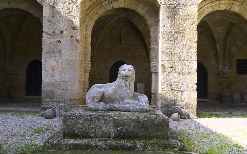 Rodos-Old-Town-Arkeoloji-Muzesi