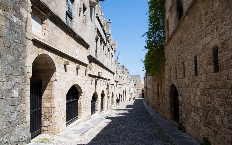Rodos-Old-Town-Sovalyeler-Caddesi