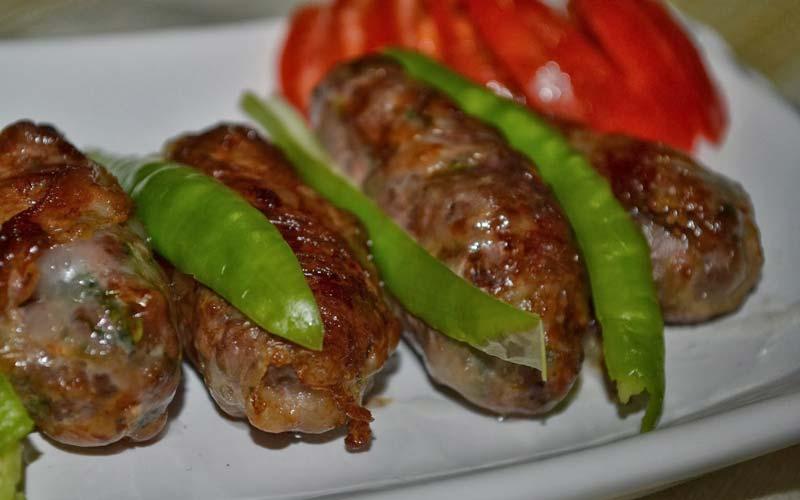 Kibris-Tatil-Yerleri-Seftali-Kebabi