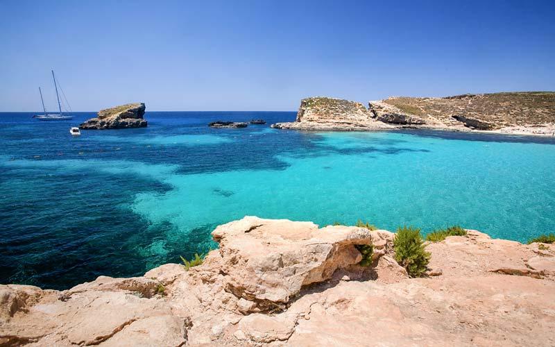 Malta-Gezilecek-Yerler-Blue-Lagoon-Bay