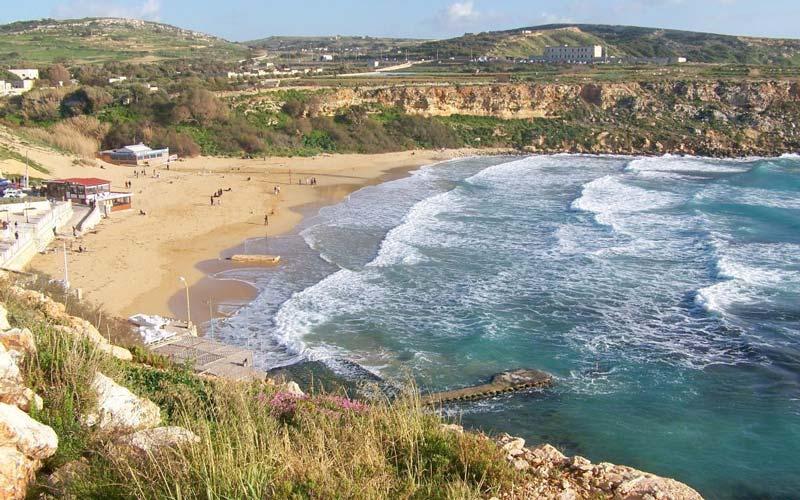 Malta-Gezilecek-Yerler-Golden-Bay