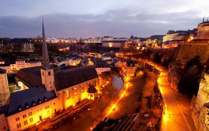 St-John-Kilisesi-ve-Ceyrek-Asirlik-Luksemburg-Sehri